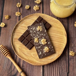 Домашний шоколад на меду с грецким орехом. Молочный, 50% какао
