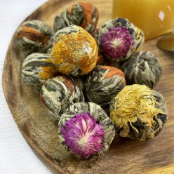 Связанный чай в ассортименте (цветы амаранта, календулы, водной лилии)