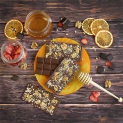 Домашний шоколад на меду с грецким орехом. Молочный, 60% какао.